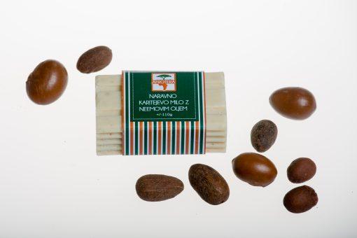 Naravno karitejevo milo z neemovim oljem